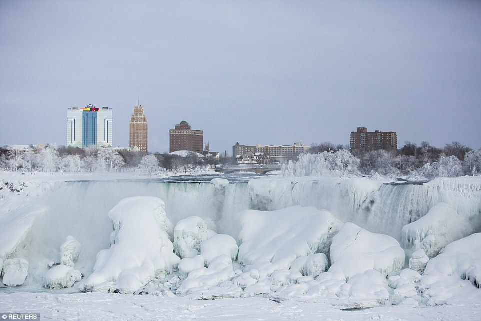 niagara-fall-frozen-20150221